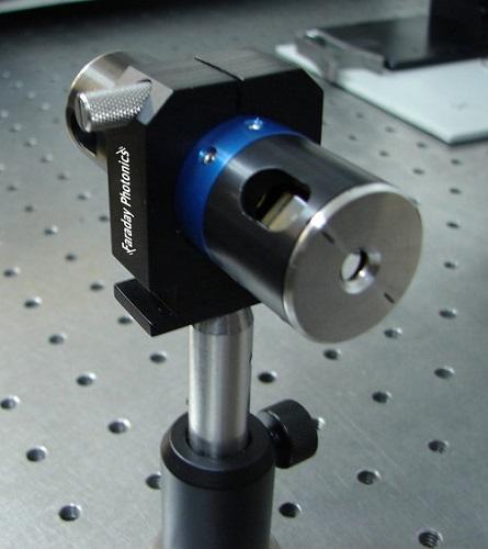 赤外(IR)用光アイソレータ・光ローテーター