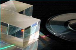 ウインドウ・プリズム・レンズ・ミラー・ビームスプリッター・波長板・ポラライザー・エタロン・コーティング・ウルトラファースト(超短パルス)用光学素子・群速度分散ミラー(GVDミラー)